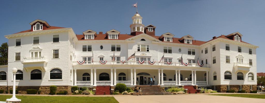 http://upload.wikimedia.org/wikipedia/commons/3/36/Stanley_Hotel,_Estes_Park.jpg