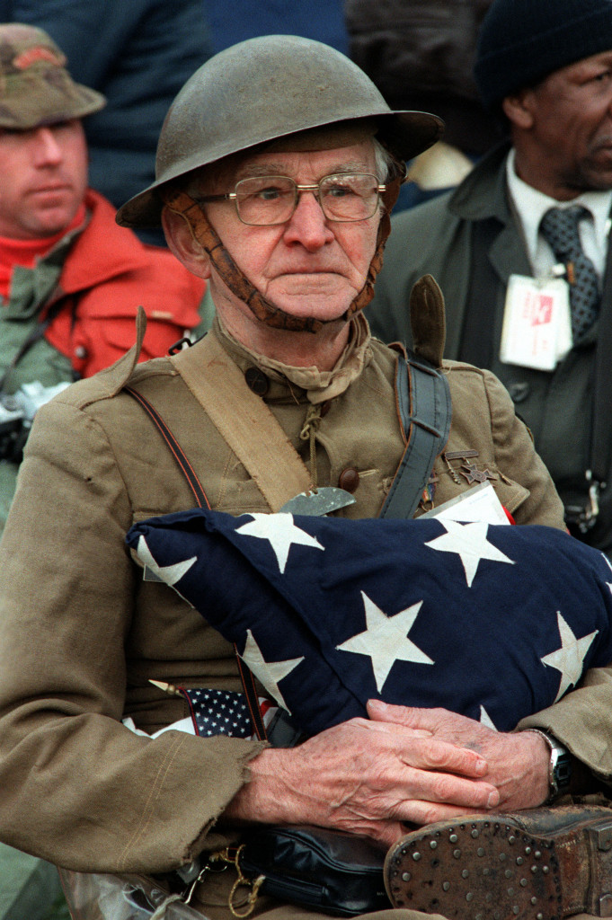 http://upload.wikimedia.org/wikipedia/commons/f/f7/Veterans_day.jpg